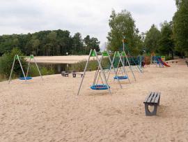 Plac zabaw nad jeziorem Turawskim
